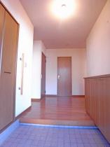 上野原市コモアしおつ4丁目 スムストック(平屋) 玄関